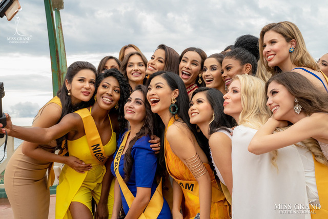 Vượt mặt dàn người đẹp quốc tế, Kiều Loan xuất hiện trên 21 bảng xếp hạng - Ảnh 1.