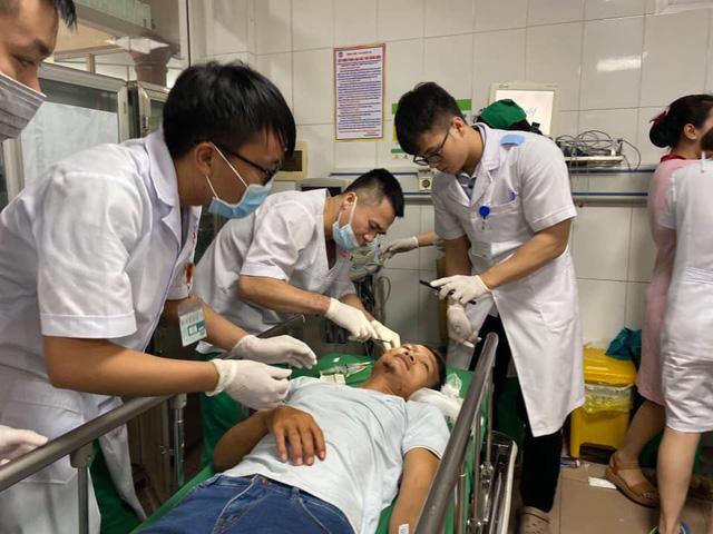 Tai nạn giao thông nghiêm trọng tại Nghệ An: Khẩn trương cấp cứu hàng chục nạn nhân - Ảnh 3.