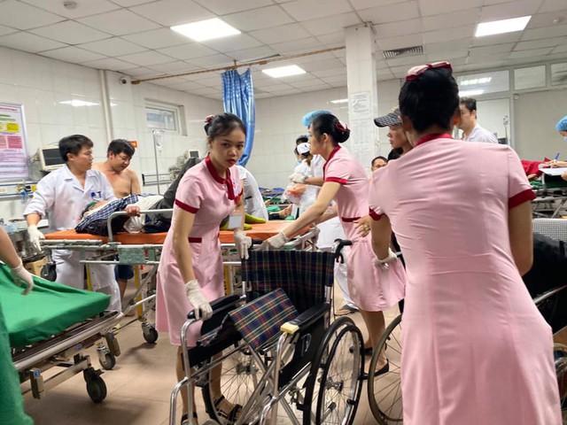 Tai nạn giao thông nghiêm trọng tại Nghệ An: Khẩn trương cấp cứu hàng chục nạn nhân - Ảnh 5.