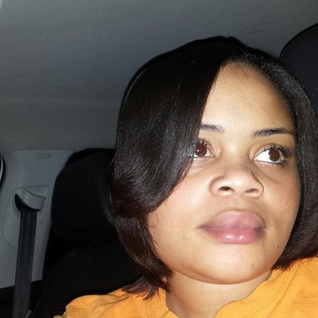 Mỹ điều tra vụ cảnh sát bắn chết phụ nữ da màu tại nhà - Ảnh 1.
