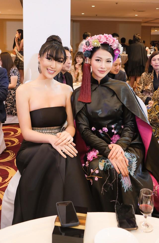 Phương Khánh diện áo dài lộng lẫy chấm thi Miss Earth 2019 - Ảnh 13.