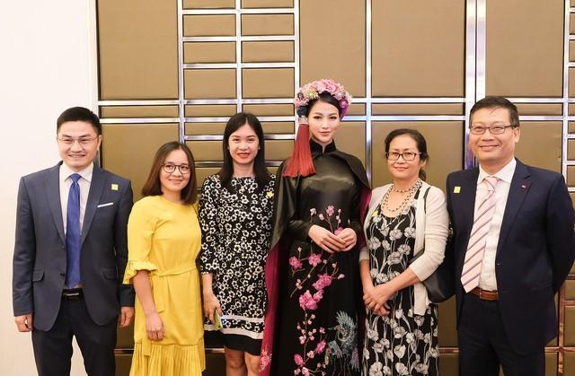 Phương Khánh diện áo dài lộng lẫy chấm thi Miss Earth 2019 - Ảnh 10.