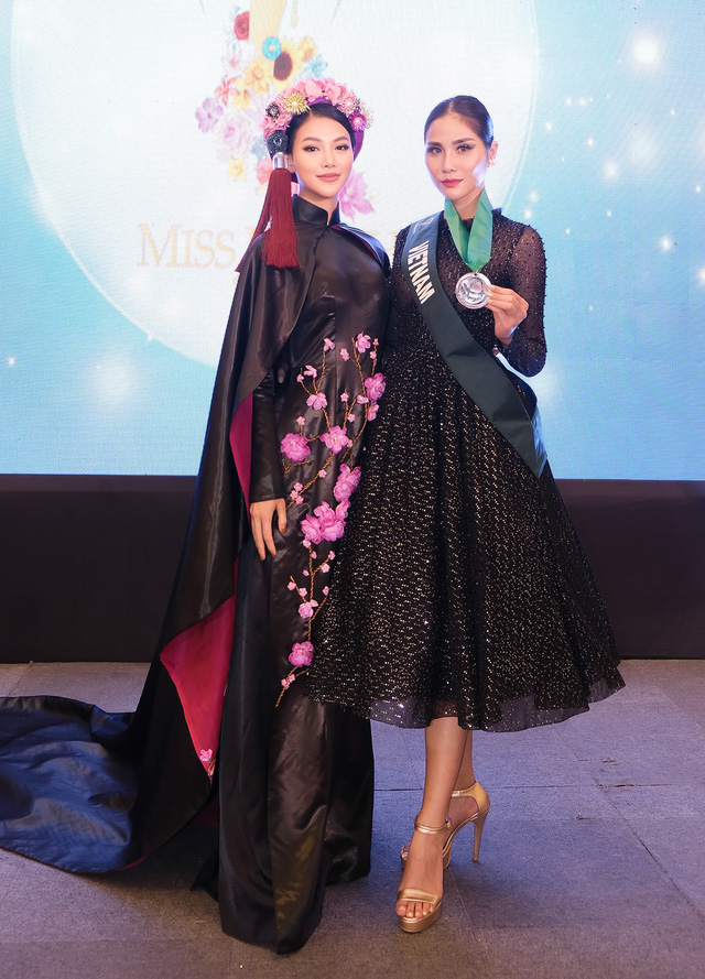 Phương Khánh diện áo dài lộng lẫy chấm thi Miss Earth 2019 - Ảnh 17.