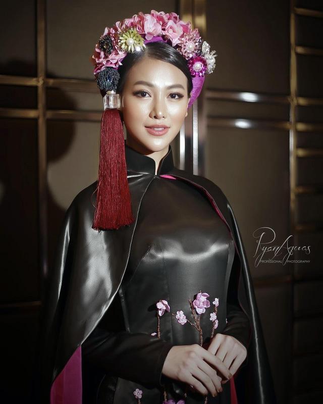 Phương Khánh diện áo dài lộng lẫy chấm thi Miss Earth 2019 - Ảnh 1.