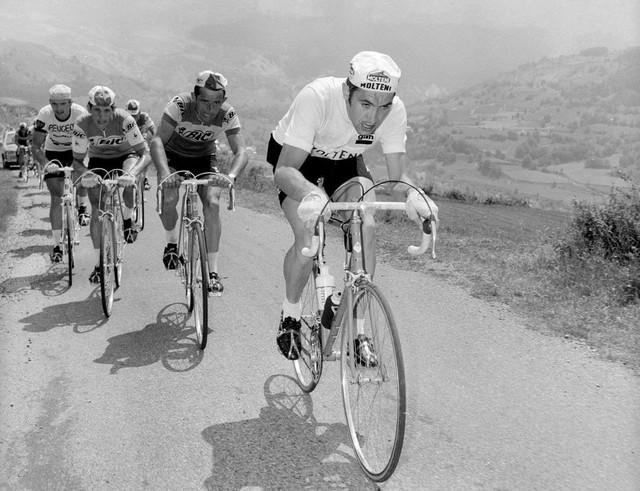 Cựu tay đua Eddy Merckx nhập viện - Ảnh 1.
