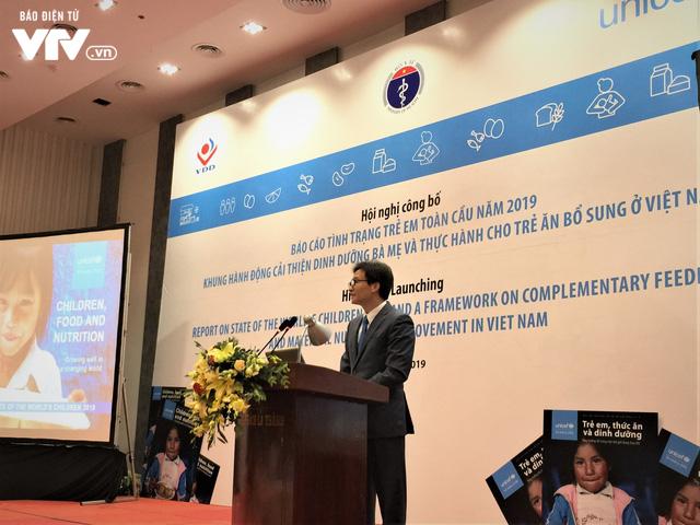 Cứ 3 trẻ Việt dười 5 tuổi có 1 trẻ thiếu dinh dưỡng hoặc thừa cân - Ảnh 1.