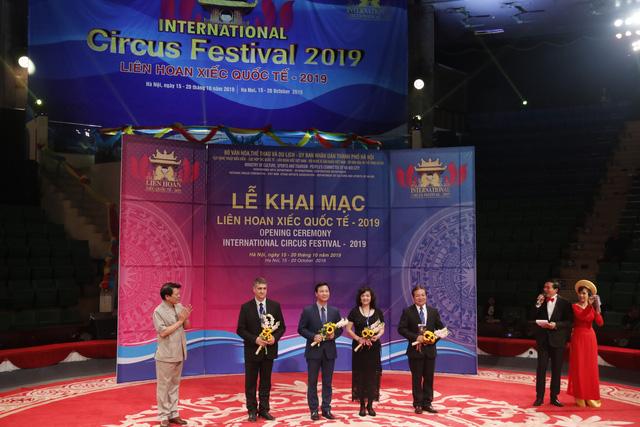 Khai mạc Liên hoan xiếc quốc tế 2019: Mở ra cơ hội thể hiện tài năng, sáng tạo và giao lưu văn hóa - Ảnh 3.