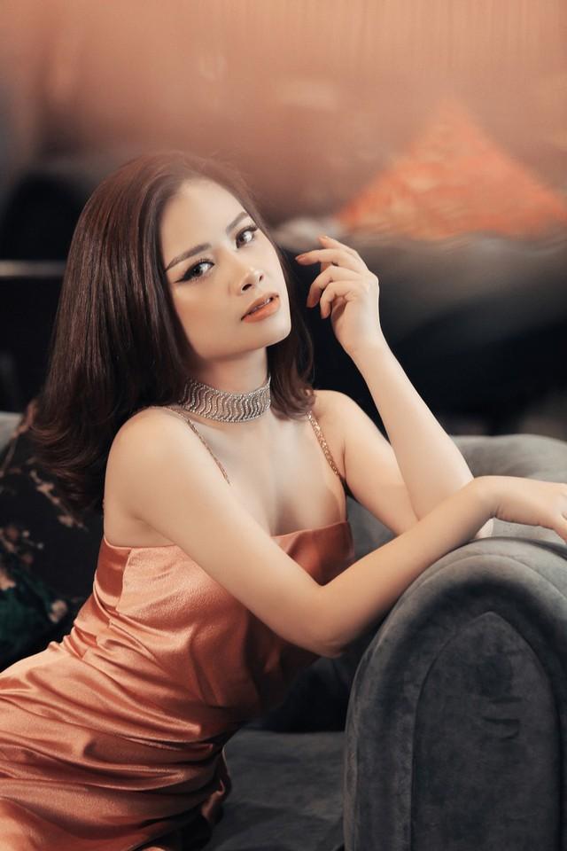 Dương Hoàng Yến khoe vẻ đẹp gợi cảm trong bộ ảnh mới - Ảnh 2.