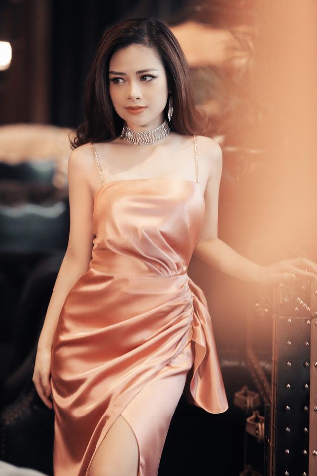 Dương Hoàng Yến khoe vẻ đẹp gợi cảm trong bộ ảnh mới - Ảnh 3.