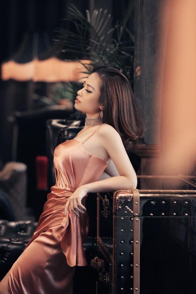 Dương Hoàng Yến khoe vẻ đẹp gợi cảm trong bộ ảnh mới - Ảnh 4.