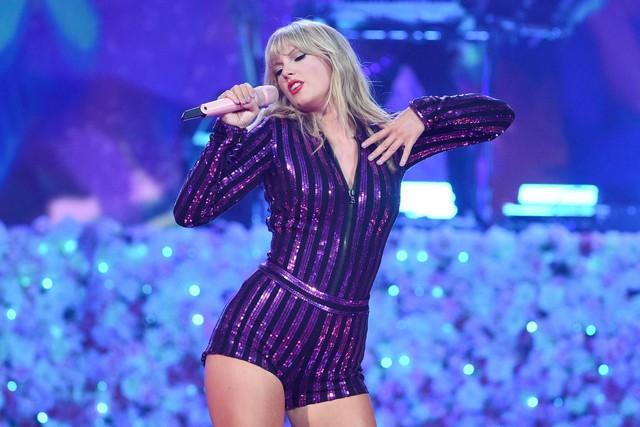 MTV EMAs 2019: Ariana Grande thống trị đề cử - Ảnh 2.
