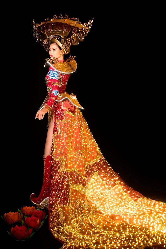 Lộ diện quốc phục của Á hậu Kiều Loan tại Miss Grand International 2019 - Ảnh 4.