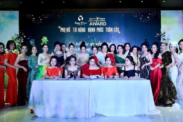 Bùi Thanh Hương xuất hiện rạng rỡ tại Happy Women Leader Global Award 2019 - Ảnh 7.