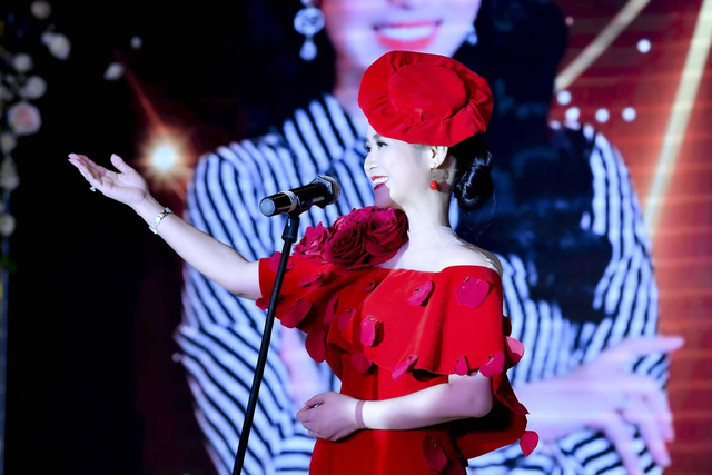 Bùi Thanh Hương xuất hiện rạng rỡ tại Happy Women Leader Global Award 2019 - Ảnh 8.