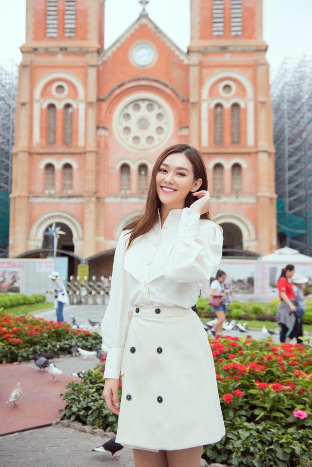Tường San tung bộ ảnh giới thiệu tại Miss International 2019 - Ảnh 1.