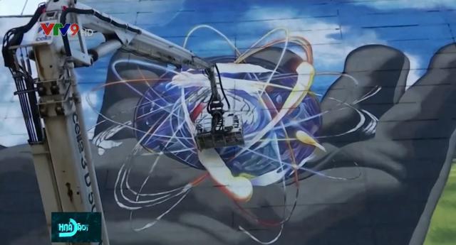 Độc đáo nghệ thuật trên nền nhà máy hạt nhân - Ảnh 1.
