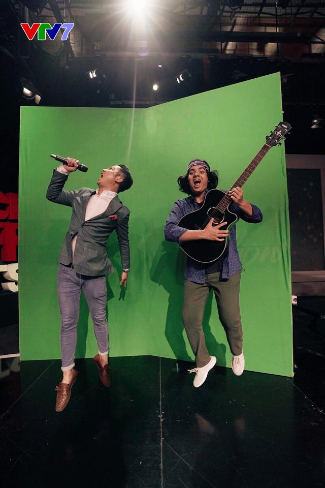 Host Michael Lưu và Jayden Trịnh quậy tưng bừng IFO số 8 - Ảnh 4.