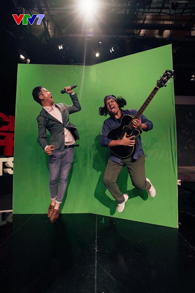 Host Michael Lưu và Jayden Trịnh quậy tưng bừng IFO số 8 - Ảnh 5.