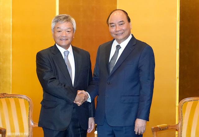 Thủ tướng Nguyễn Xuân Phúc tiếp lãnh đạo địa phương, tổ chức Nhật Bản - Ảnh 1.