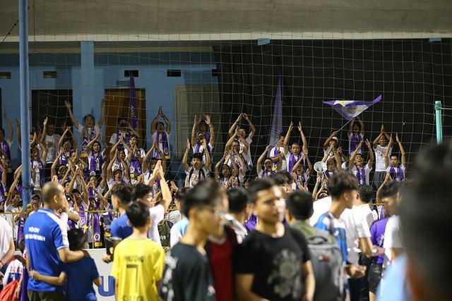 CLB Hà Nội tưng bừng nâng cúp vô địch V.League 2019 - Ảnh 7.