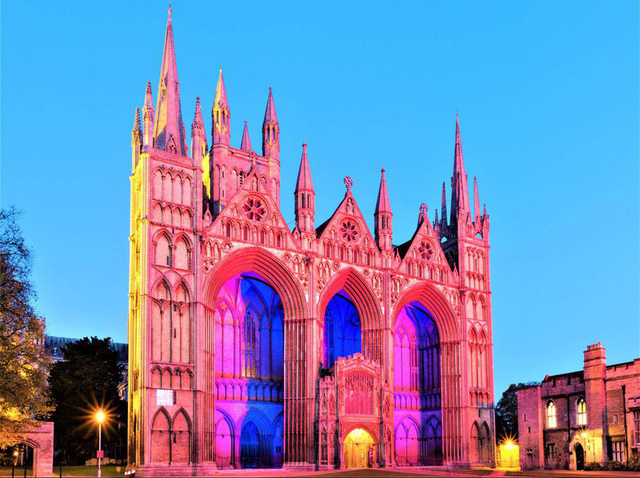 Ngắm những nhà thờ đẹp nhất nước Anh - ảnh 1