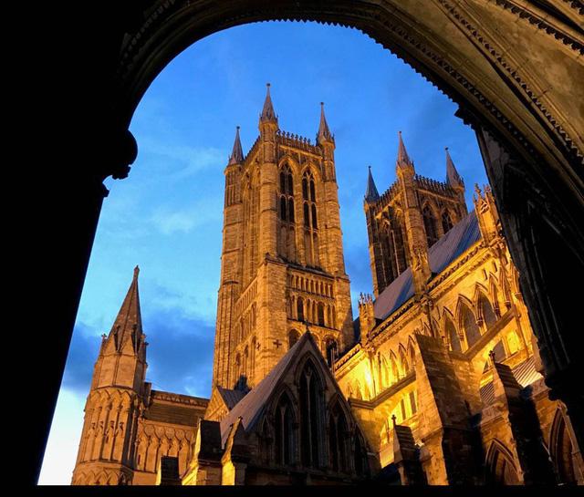 Ngắm những nhà thờ đẹp nhất nước Anh - ảnh 20
