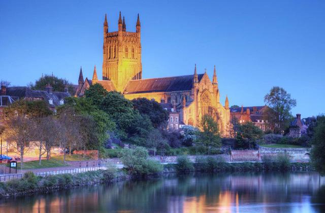 Ngắm những nhà thờ đẹp nhất nước Anh - ảnh 21