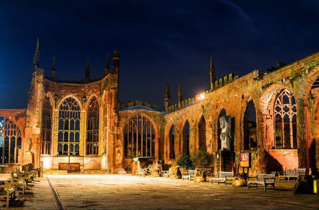 Ngắm những nhà thờ đẹp nhất nước Anh - ảnh 9