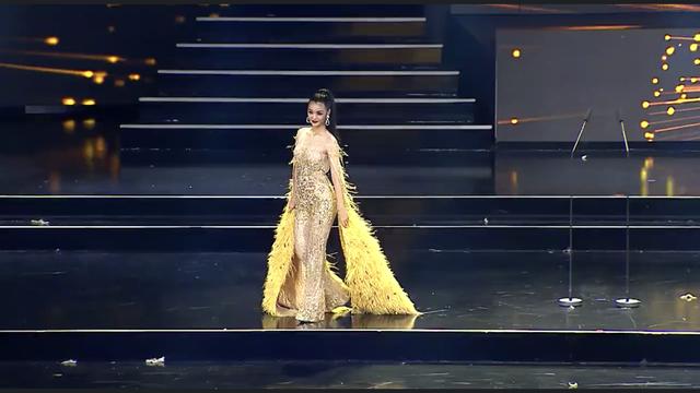 Kiều Loan diện jumpsuit, bikini trình diễn trong đêm Bán kết Miss Grand International 2019 - Ảnh 1.
