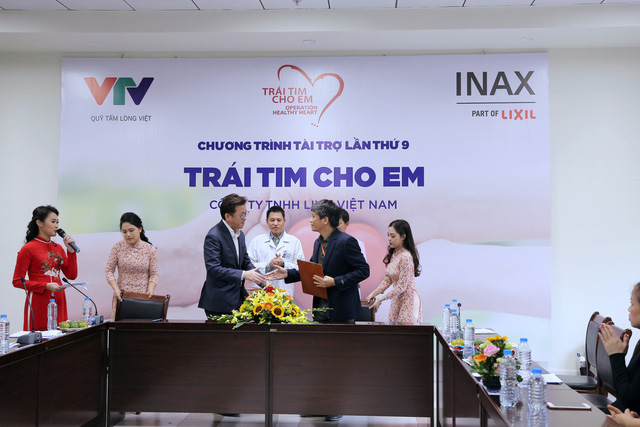 Quỹ Tấm lòng Việt và LIXIL Việt Nam chung tay hỗ trợ phẫu thuật tim bẩm sinh cho các bệnh nhi có hoàn cảnh khó khăn - Ảnh 10.