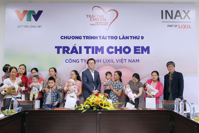 Quỹ Tấm lòng Việt và LIXIL Việt Nam chung tay hỗ trợ phẫu thuật tim bẩm sinh cho các bệnh nhi có hoàn cảnh khó khăn - Ảnh 16.