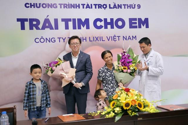 Quỹ Tấm lòng Việt và LIXIL Việt Nam chung tay hỗ trợ phẫu thuật tim bẩm sinh cho các bệnh nhi có hoàn cảnh khó khăn - Ảnh 18.