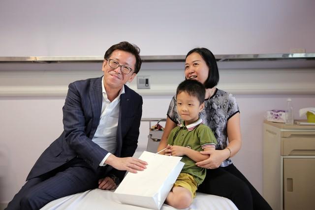 Quỹ Tấm lòng Việt và LIXIL Việt Nam chung tay hỗ trợ phẫu thuật tim bẩm sinh cho các bệnh nhi có hoàn cảnh khó khăn - Ảnh 24.