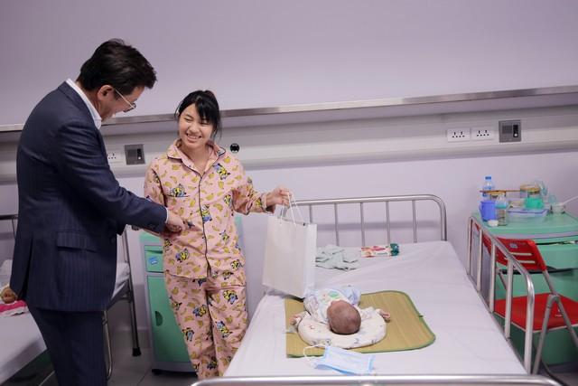 Quỹ Tấm lòng Việt và LIXIL Việt Nam chung tay hỗ trợ phẫu thuật tim bẩm sinh cho các bệnh nhi có hoàn cảnh khó khăn - Ảnh 28.