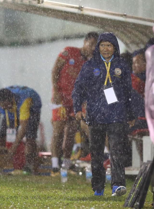 Bình luận thể thao ngày 25/10: Sanna Khánh Hoà BVN xuống hạng và những chuyện khi V.League 2019 kết thúc - Ảnh 3.