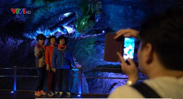 Trải nghiệm chuyến thăm quan hang động nhân tạo lớn nhất của Hàn Quốc - Ảnh 2.
