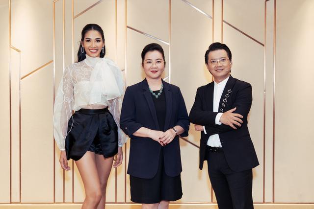 Tôi là Hoa hậu Hoàn vũ Việt Nam 2019 - Tập 4: Vì sao Hoàng Thùy mắng thí sinh nuôi ong tay áo? - Ảnh 1.