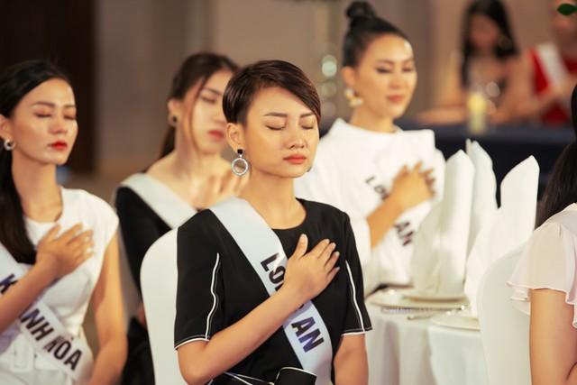 Tôi là Hoa hậu Hoàn vũ Việt Nam 2019 - Tập 4: Vì sao Hoàng Thùy mắng thí sinh nuôi ong tay áo? - Ảnh 3.