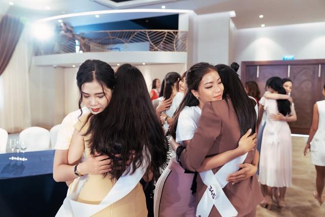Tôi là Hoa hậu Hoàn vũ Việt Nam 2019 - Tập 4: Vì sao Hoàng Thùy mắng thí sinh nuôi ong tay áo? - Ảnh 4.
