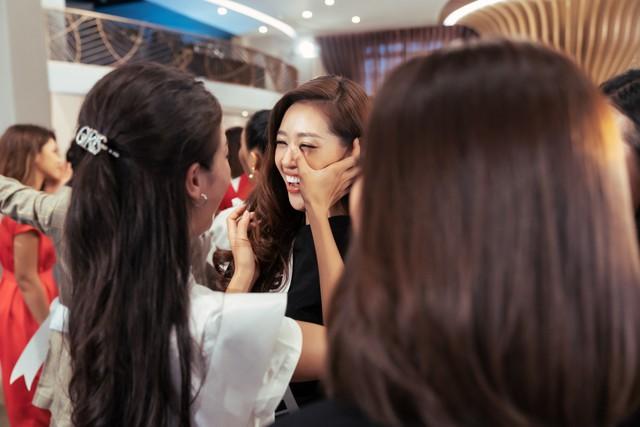 Tôi là Hoa hậu Hoàn vũ Việt Nam 2019 - Tập 4: Vì sao Hoàng Thùy mắng thí sinh nuôi ong tay áo? - Ảnh 5.