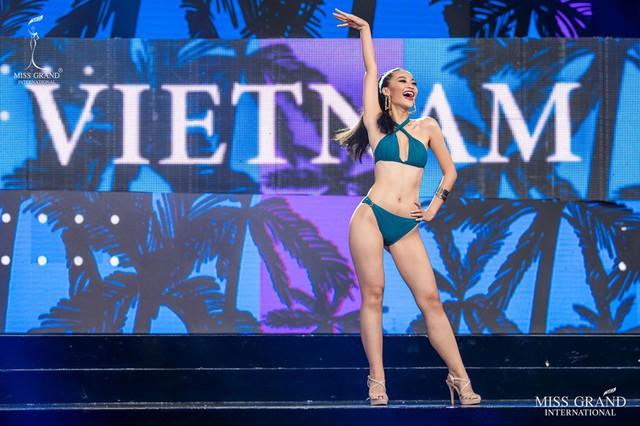 Kiều Loan diện jumpsuit, bikini trình diễn trong đêm Bán kết Miss Grand International 2019 - Ảnh 7.
