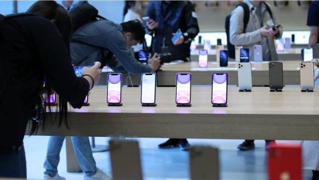 iPhone 11 thắng lớn ngay trên sân nhà của Samsung - Ảnh 1.