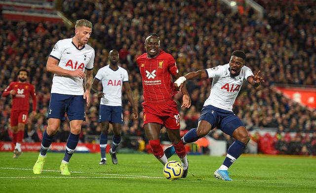 Liverpool 2-1 Tottenham: The Kop tiếp tục bất bại - Ảnh 3.