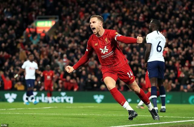 Liverpool 2-1 Tottenham: The Kop tiếp tục bất bại - Ảnh 2.