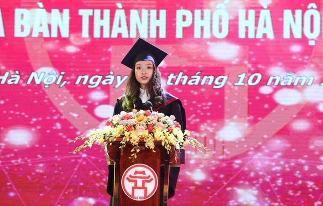 Hà Nội tuyên dương 86 thủ khoa xuất sắc Thủ đô năm 2019 - Ảnh 2.