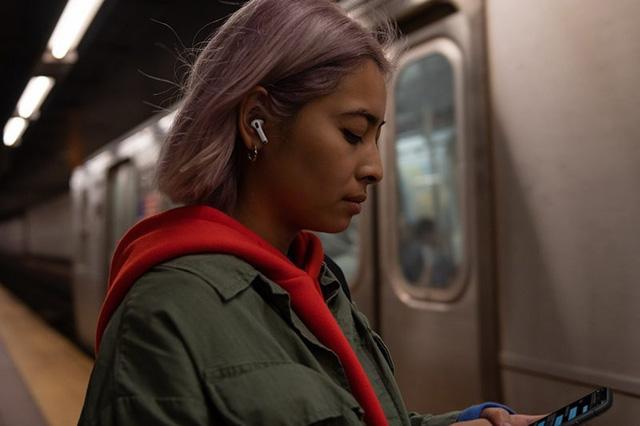 Apple ra mắt AirPods Pro: Thiết kế hoàn toàn mới, chống ồn chủ động, giá gần 6 triệu - Ảnh 3.
