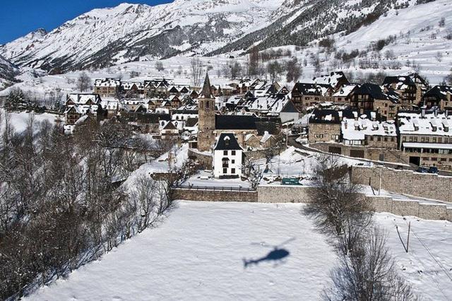 Ngắm những ngôi làng đẹp nhất Tây Ban Nha - Ảnh 1.