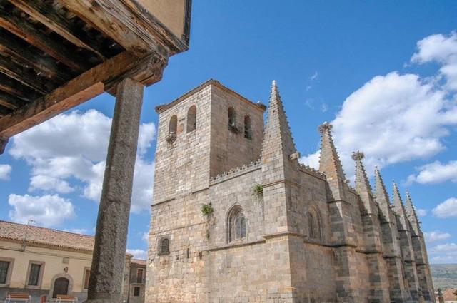 Ngắm những ngôi làng đẹp nhất Tây Ban Nha - Ảnh 3.