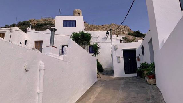Ngắm những ngôi làng đẹp nhất Tây Ban Nha - Ảnh 4.