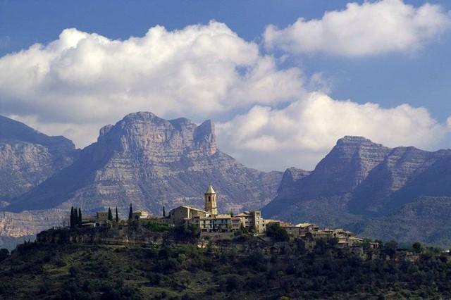 Ngắm những ngôi làng đẹp nhất Tây Ban Nha - Ảnh 6.